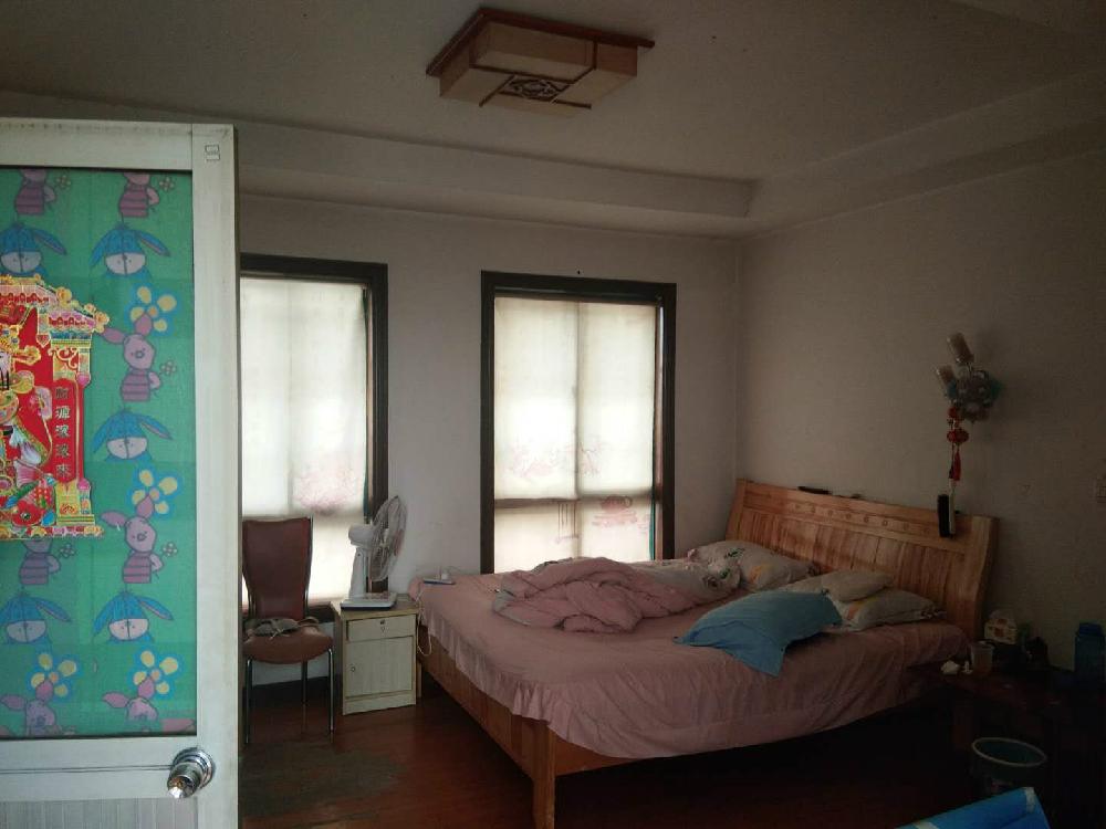 春潮花园三期(西区)5室2厅